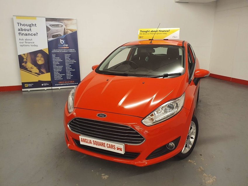 FORD FIESTA 1.25i 82 Zetec  Red Manual Petrol, ONLY 16,000 MILES