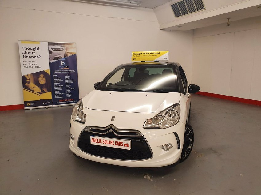 CITROEN DS3 e-HDi 90 8v Airdream DStyle Plus, White Manual Diesel, 69,971 MILES ONE OWNER FROM NEW