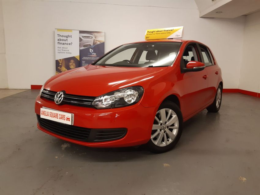 VOLKSWAGEN GOLF VOLKSWAGEN GOLF TDi 140 BlueMotion Start-Stop BlueMotion Match Red Manual Diesel £30 RFL SATNAV DAB